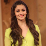 Alia Bhatt Biography! Wiki! Height! Weight!  Age! Boyfriend! Family